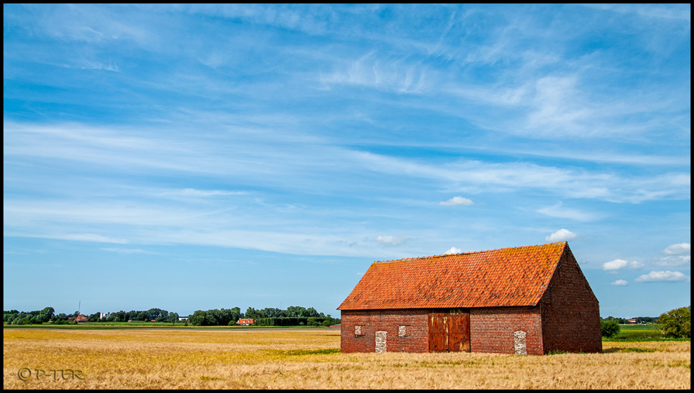 landscape barn blue sky landschap schuur blauw hem