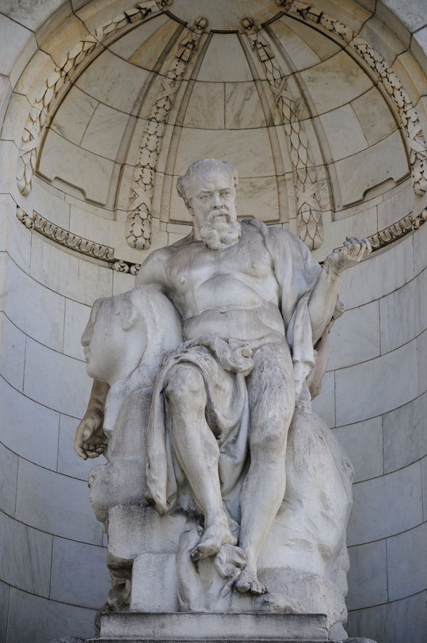 Statue outside New York Public Library.