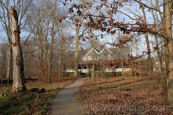 Path to Krippendorf Lodge