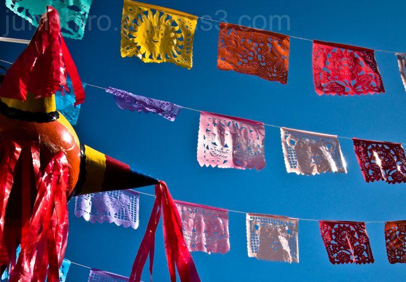 fiesta mexicana piñata