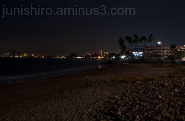 Playa del malecon de noche Puerto Vallarta