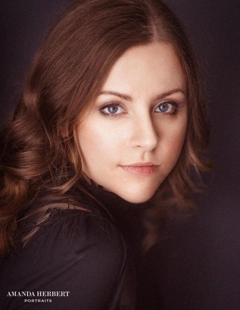 Holly   Amanda Herbert Photography