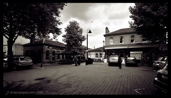 Around Kew Gardens Station 4