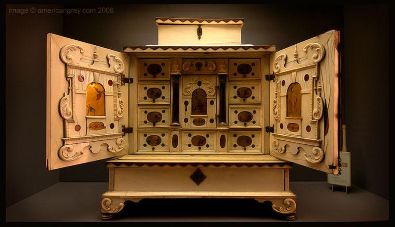 Cabinet [V&A]