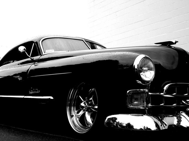 hot rod car cruise in show shine