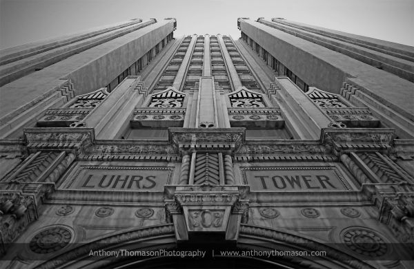 Photograph of the Luhrs Tower in downtown Phoenix