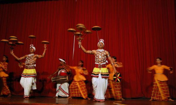 Skillful folk Dance