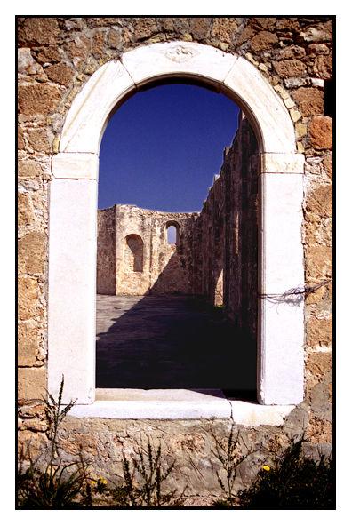 Aegina, catacomb