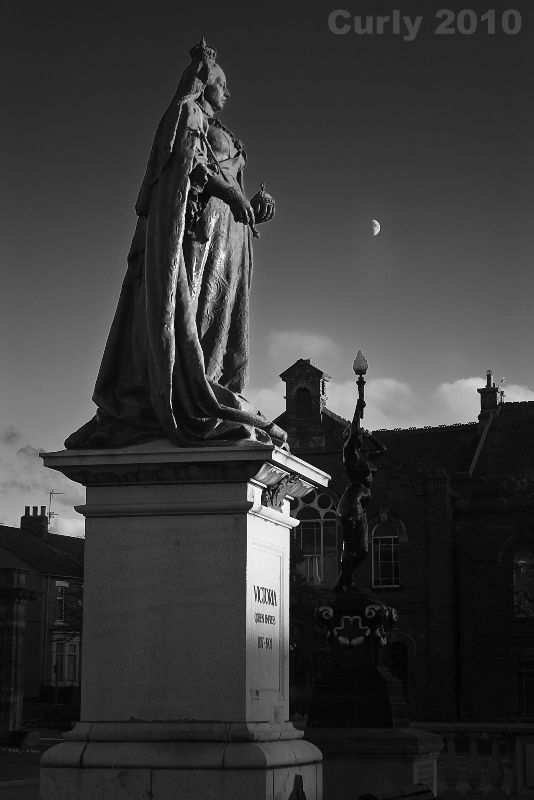 Queen Victoria, South Shields town Hall