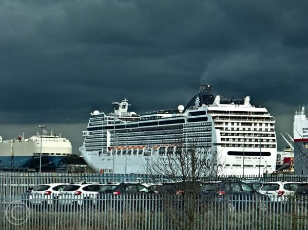 MSC Magnifica being turned at South Shields