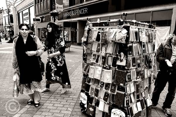 Phone accessory vendor, Leeds, West Yorks
