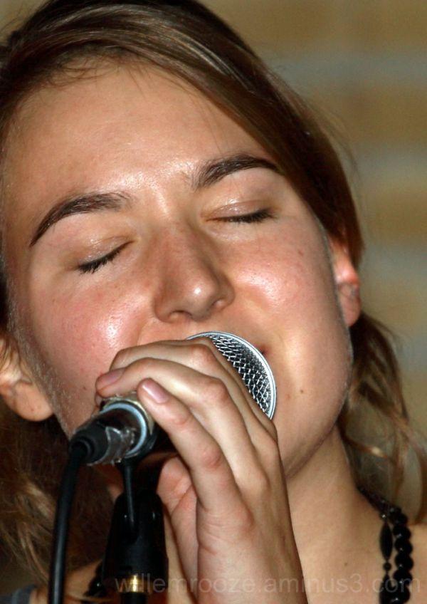 Winning female singer