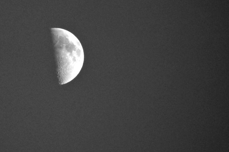 zoom sur la lune...