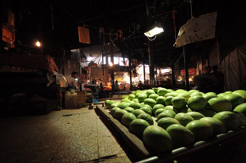 بازار میوه فروش ها