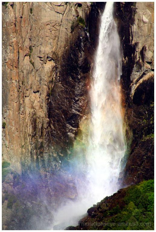 A waterfall rainbow!