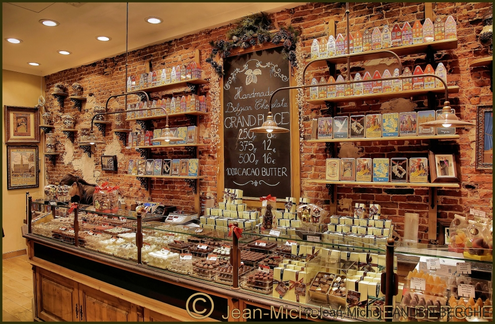 """""""Calories Shop""""...;-) In the """"Sacred Island"""" Bruxe"""