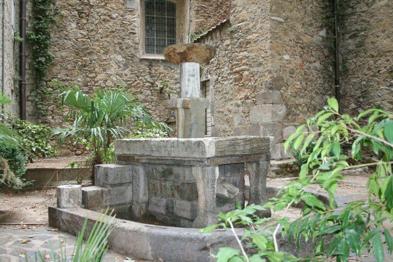fontaine ancienne de Céret