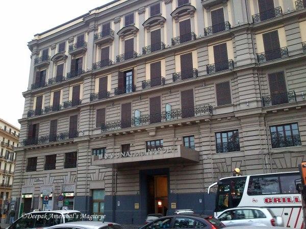 UNA Hotel
