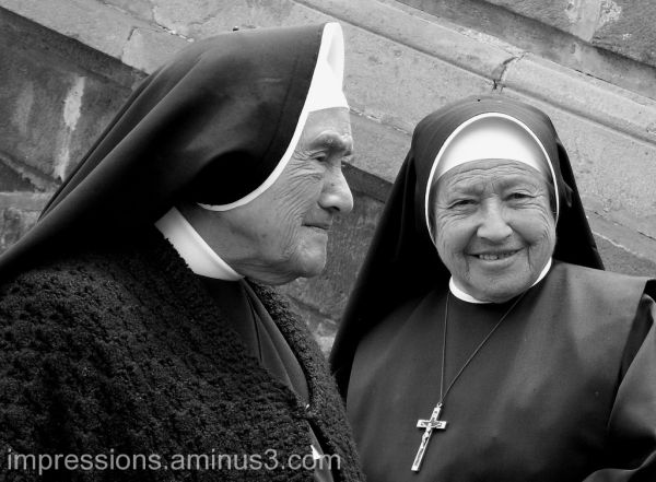 Nuns in El Quinche, a place of pilgrimage.