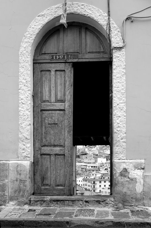 Quito's magical door,...