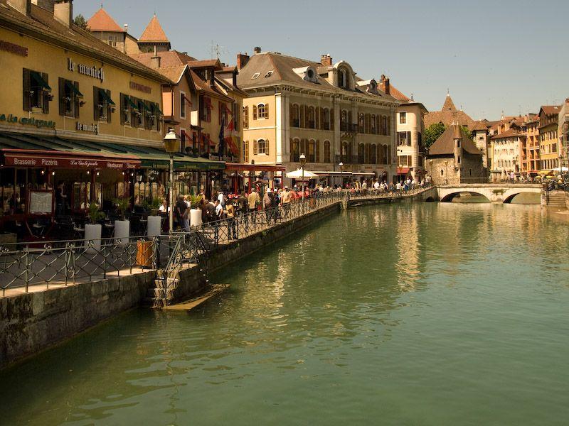 Couleurs d'eau  -  côté vieille ville  -  Annecy