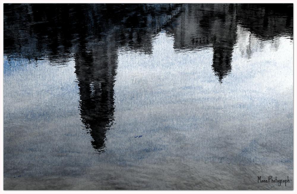 GIRONA REFLECTIDA