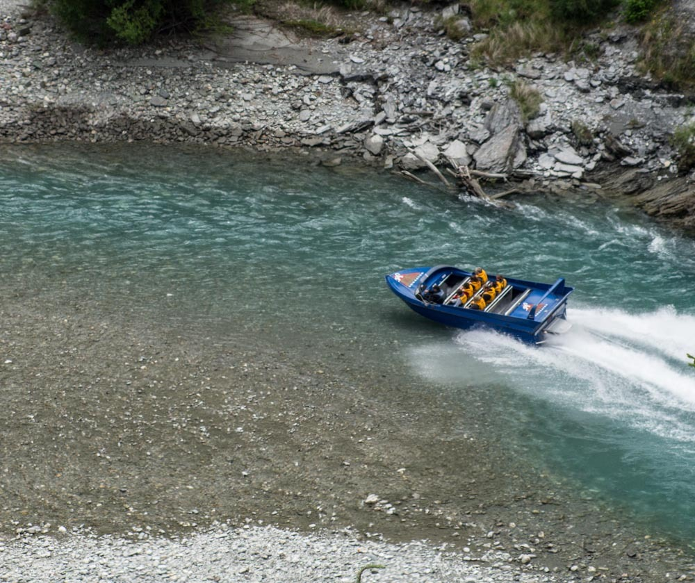 Jet boat in the skippers river