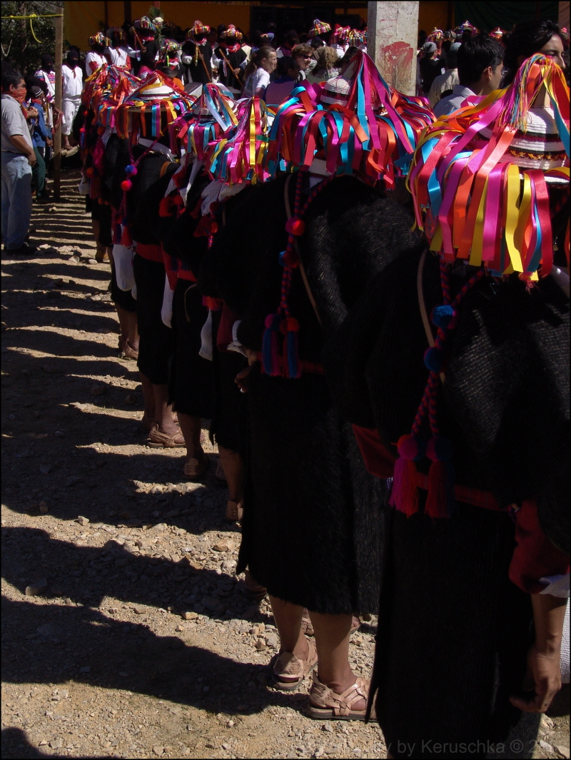 zapatistes en habits traditionnels
