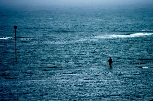 Surfcasting peche au bar Groix locmaria fisherman
