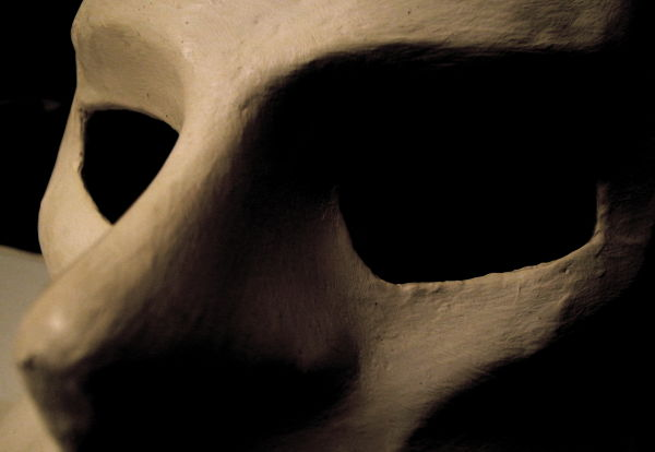 Une société de masques...