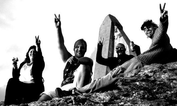 Peace and love ile de Groix pierre blanche amer