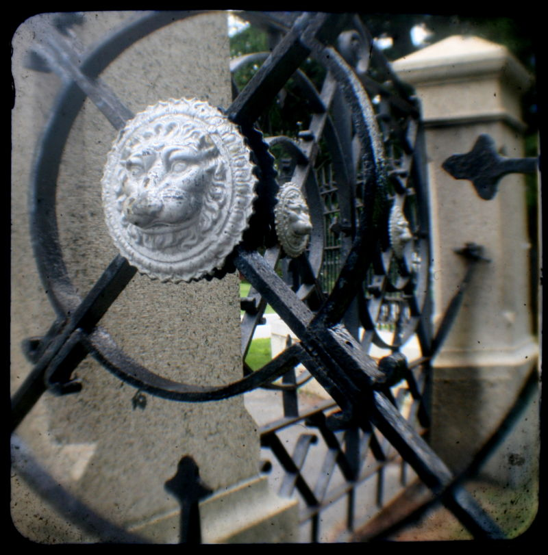Cemetery Gates TtV