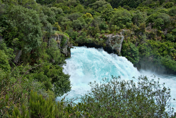 The drop at Huka falls