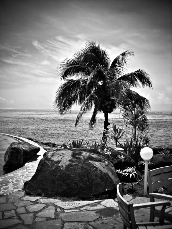 A dark day in Tahiti