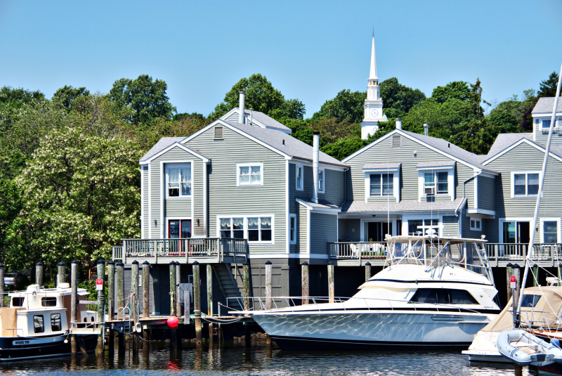 Yachts and Homes at Mystic