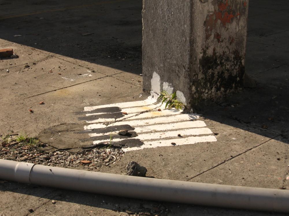 Amiens graffiti ruine