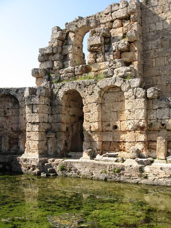 les thermes romaines de Perge