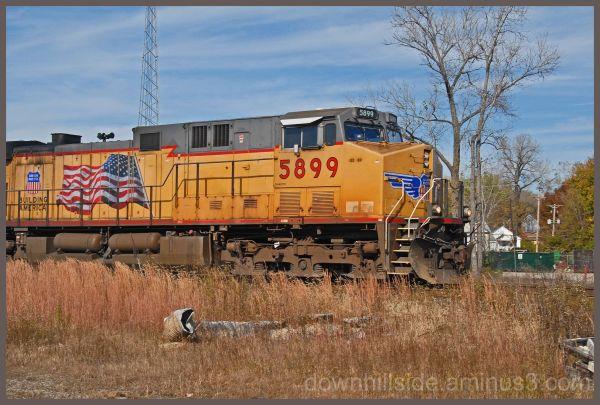 Lead Engine on 1 Mile Coal Train