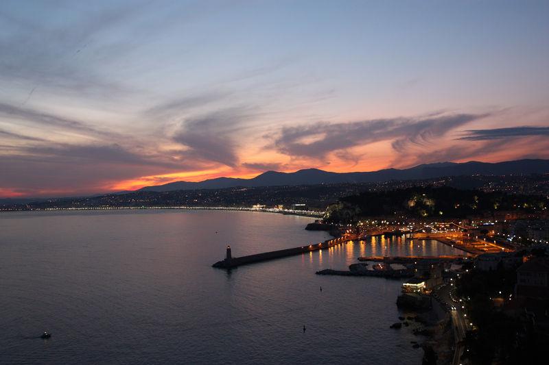 Ciel en feu sur Nice - Landscape & Rural Photos - ErikouPhotos