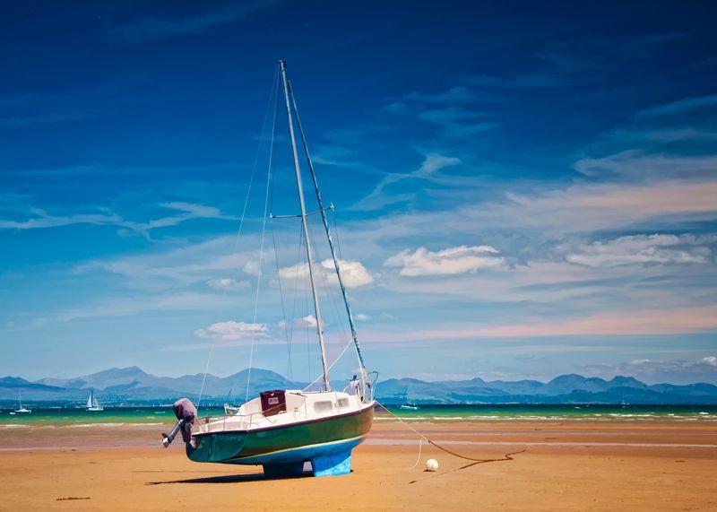 Mezzanego Sailing Yacht