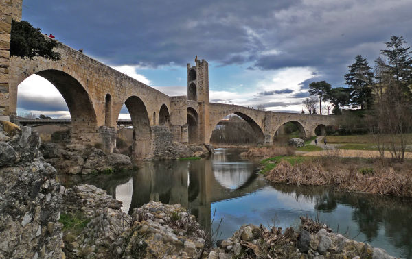 pont vell old bridge Besalú