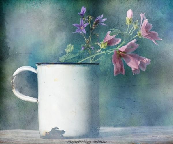 Une tasse...un bouquet...