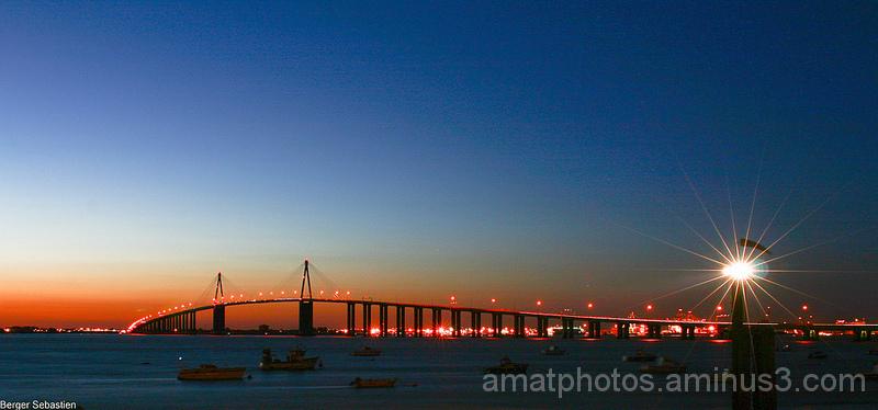 pont de saint Nazaire de nuit