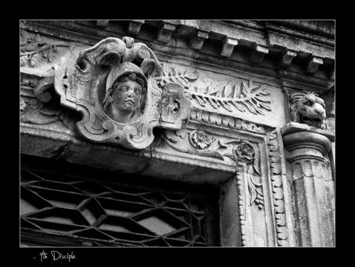 Détails de porte à Murviel