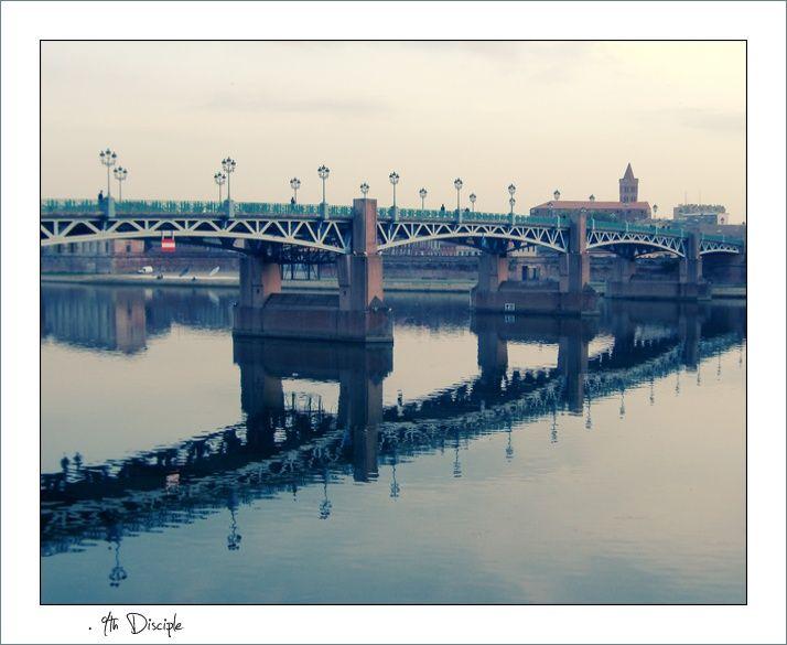 Le pont Saint-Pierre, vue des quais du même nom