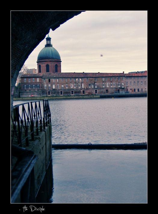 La Grave vue sous l'écluse du Canal de Brienne