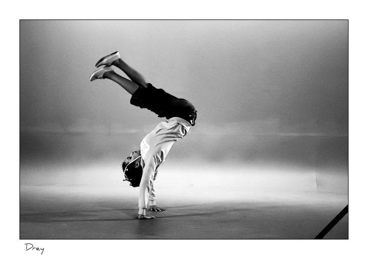 """Mouvement de dance - Clip de """"La Creeze"""""""