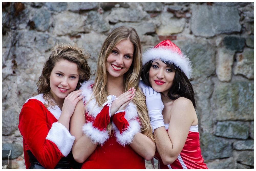 MODELS: Arianna, Melanie and Delyne