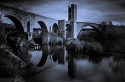 ROMANESQUE BRIDGE OF BESALU 8