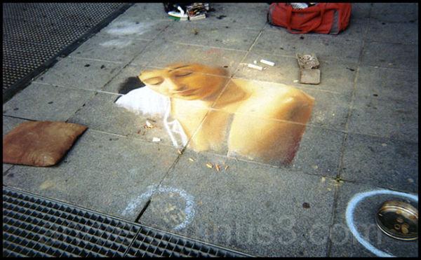 Dessin d'artiste à Beaubourg - Paris -